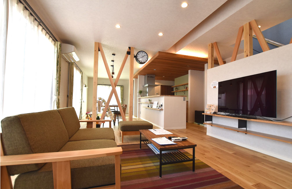 4Cスタッフが建てた光と風と木をデザインする家