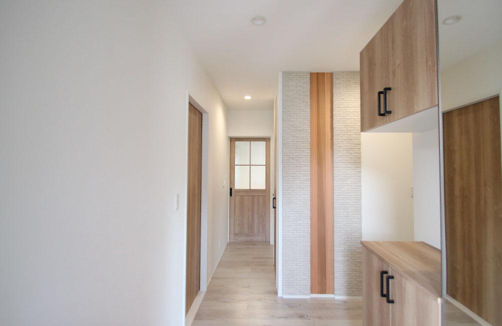 コンパクトに暮らせる南欧風デザインの家